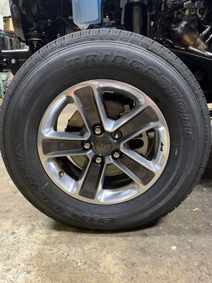 2019 Jeep Sahara JL. Selling All 5 Wheels & Tires. The Hood, The Fenders, The Front & Rear Bumpers, The 2 Step Side Running Boards. All are Brand New for Sale in Pompano Beach, FL