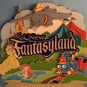 Disney Jumbo Fantasyland Official Pin for Sale in New Lenox, IL