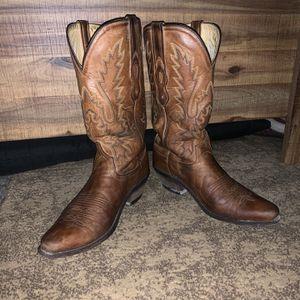 Women's Size 7.5 Cowboy Boots for Sale in Stuart, FL