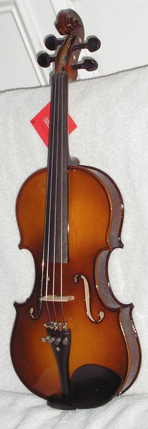 Lefty 4/4 Violin by Cecilio for Sale in Wilmington, DE