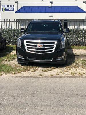 Carro Nuebo con solo 22651 millas si le interesa escríbeme for Sale in Hialeah, FL