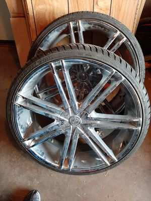 22inch Chrome Rims 5 Lugs(MUST SELL) for Sale in Morrison, CO