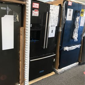 NEW KITCHEN AID STAINLESS STEEL FRENCH DOORS FRIDGE WITH MANUFACTURED for Sale in Laurel, MD