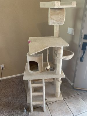 Free cat tree for Sale in Chandler, AZ