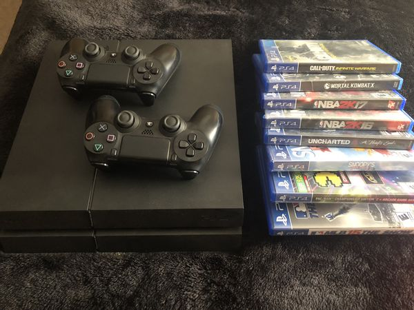 PS4 8 games 2 controllers