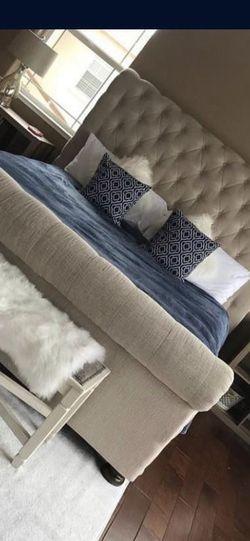 Queen Upholstered Bed for Sale in Atlanta,  GA