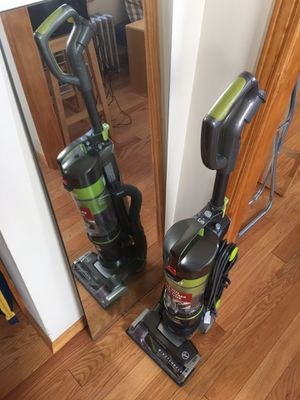 Hoover Air Lift Light Upright Vacuum Cleaner for Sale in New York, NY