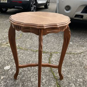 Vintage Side Table for Sale in Tacoma, WA