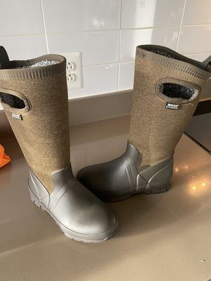 Bogs Crandall Insulated Boots - Size 6 for Sale in Alexandria, VA