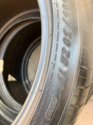 305 30 19 Michelin 2 tires for Sale in Manassas, VA