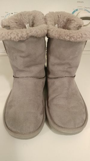 Girls Gray Boots Size. 1 for Sale in El Paso, TX