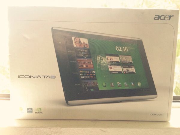Silver acer iconia tablet