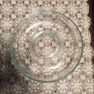 Glass Pyrex bundt pound cake pan - clear color for Sale in Tacoma, WA