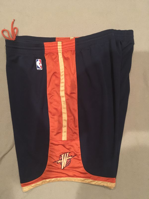 """Golden State Warriors """"We Believe"""" Retro Throwback Mens Basketball icon Shorts XXL only worn twice excellent condition"""