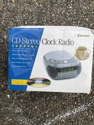 CD player/radio for Sale in Puyallup, WA
