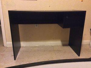 Desk con 2 table for Sale in Miami, FL