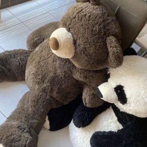 Giant Teddy Bear And Panda Bear for Sale in Hallandale Beach, FL