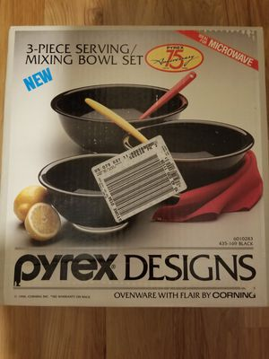 Vintage Pyrex Designs 3 Piece Mixing Bowl Set for Sale in Bardonia, NY