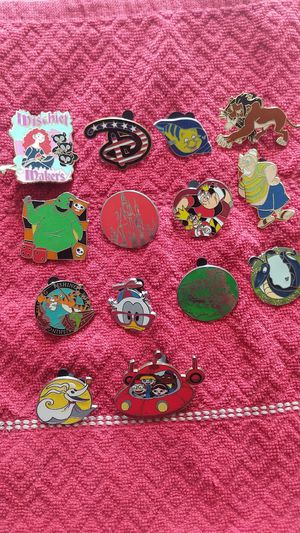 Disney pin lot of 14 with three hidden mickey for Sale in Oviedo, FL