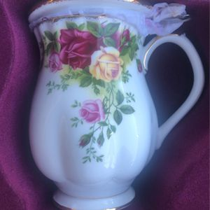 Royal Albert Teacup For One for Sale in Pomona, CA