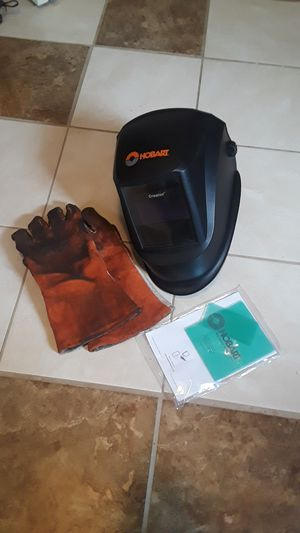 Minimal use Hobart welding helmet + free crappy gloves for Sale in Owensboro, KY