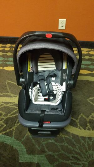 Baby car seat for Sale in Bellefontaine, OH