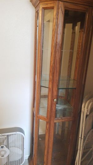 Display cabinet for Sale in Monroe, WA