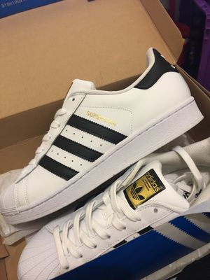 Superstar Adidas Size 9 for Sale in Clarksburg, MD