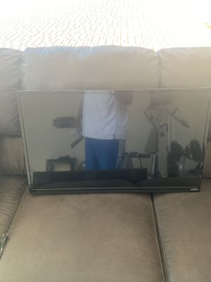 "32"" Flatscreen TVs (Perfect for a home gym) for Sale in Mesa, AZ"