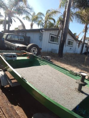 14ft boat with 8hp out board for Sale in Vista, CA
