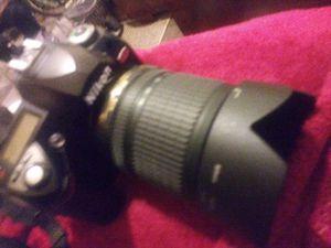 Nikon digital camera with af-s DX Nikkor 18-105mm f/3.5-5.6G ED VR lens for Sale in Albuquerque, NM