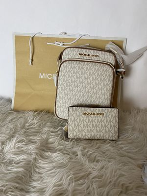 Michael Kors handbag and wallet for Sale in Richmond, CA