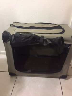 Portable carrier for small pets $38 for Sale in Miami, FL
