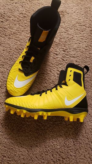 Brand new, Nike FORCE SAVAGE football cleats, size 10, hightop, black and yellow. $80 for Sale in Spring Valley, CA