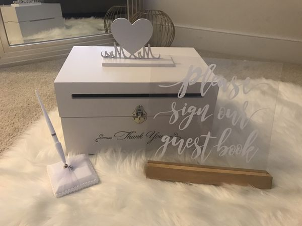 Wedding card box, sign and pen