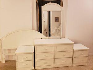 Full size bedroom set for Sale in Ocala, FL