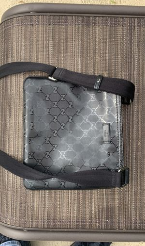 Men's Gucci Messenger Bag for Sale in Lake Buena Vista, FL