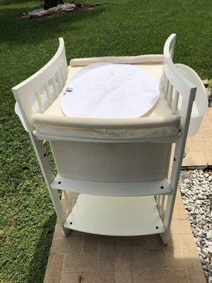 Stokke® Sleepi™ White Crib with Mattress & Changing Table for Sale in Hollywood, FL