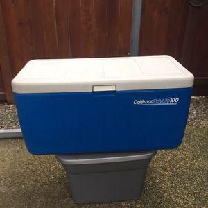Coleman polylite 100 QT cooler Ice Chest for Sale in Puyallup, WA