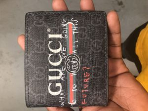 Gucci wallet men's for Sale in Washington, DC