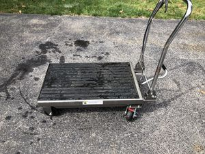 Scissor hydraulic cart. for Sale in Jersey Shore, PA