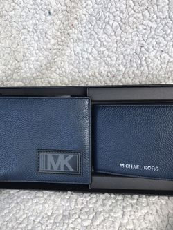 Authentic Michael Kors Set Wallets Authentic for Sale in Lakewood,  WA