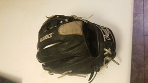 Nice Rawlings Silverback 13 inch glove for Sale in Avondale, AZ