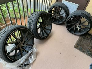 """20"""" niche rims and tires for Sale in Margate, FL"""