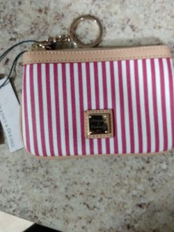 Dooney & Bourke Pouch 100%Authentic $50 for Sale in Phoenix,  AZ