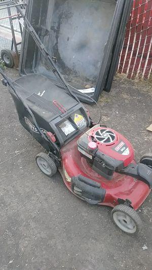Lawn mower self proprpelled for Sale in Oakland, CA