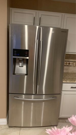 Samsung Stainless steel refrigerator and freezer for Sale in West Bloomfield Township, MI