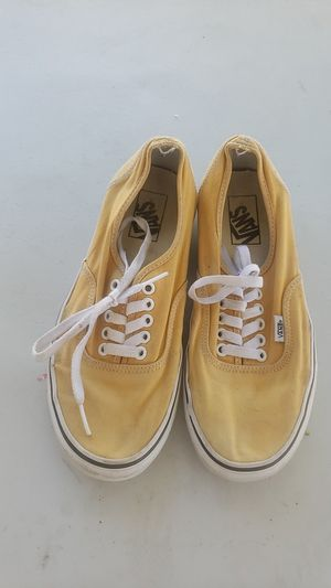 In excellent condition men's yellow Van's size 8 for Sale in Rialto, CA