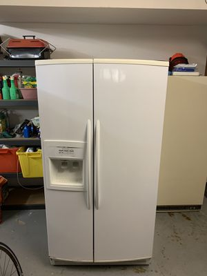 Kitchenaid refrigerator/freezer for Sale in Boring, OR
