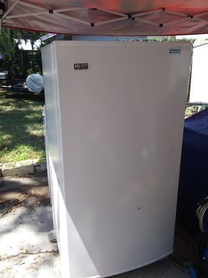 Maytag Upright Freezer for Sale in Winter Haven, FL